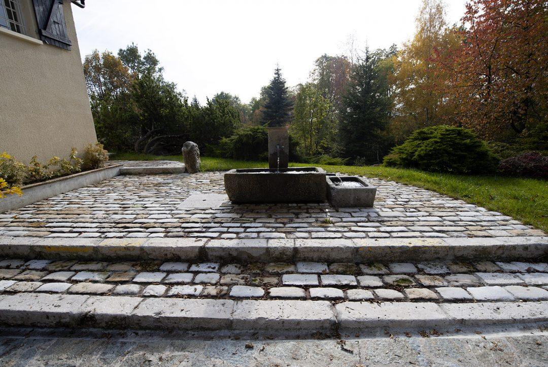 Réalisation d'une fontaine, Thoiry